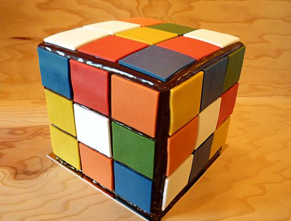 Rubik's Cake - Génoise légère au chocolat et ganache corsée